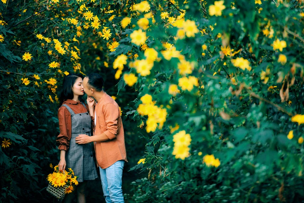 love and emotions a sweet love story of a college girl student,true love story in hindi in short, true sad love story in hindi language, hindi love story in short love, love story novel in hindi language, romantic love stories in hindi language